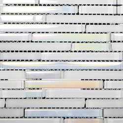 Metallic Glacier Mini Strip White | Mosaicos de vidrio | Porcelanosa