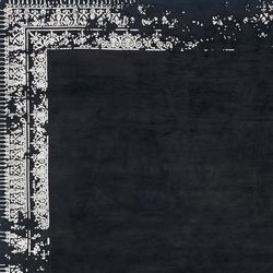 Erased Classic | Ferrara Border Special | Formatteppiche | Jan Kath