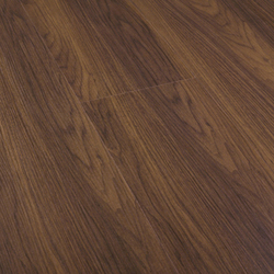 Wet Nogal | Laminate flooring | Porcelanosa