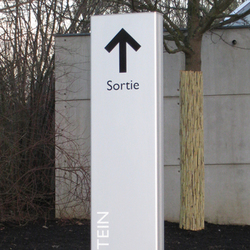 link | Signage / Wayfinding | Marcal Signalétique