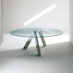 Fix oval table | Esstische | Former