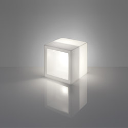 Open Cube | Illuminated shelving | Slide