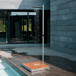 Cascade | Outdoor showers | TRADEWINDS