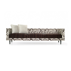 boutique deer Triple seater | Divani | moooi