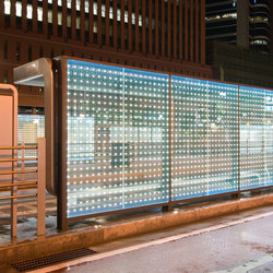 powerglass® media façade: bus shelter | Facade design | Peter Platz Spezialglas