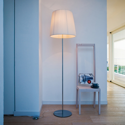 Nura Floor lamp | Free-standing lights | LUCENTE