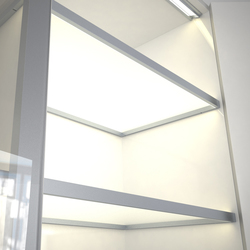 Lighting system 4 Glass shelf lighting | Librerie con illuminazione integrata | GERA