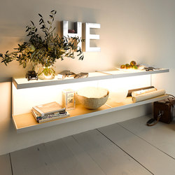 Lighting system 6 Wall shelf | Estanterías con iluminación | GERA