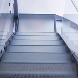 Madras® Matrix Flooring | Glass stairs | Vitrealspecchi