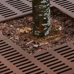 Bristol Tree guard | Protectores de árboles | AREA