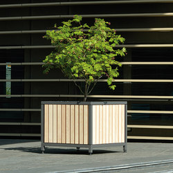 Mazagan Planter | Planters | AREA