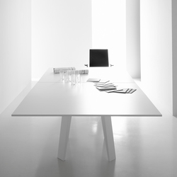 Mahia Meeting | Meeting room tables | Famo