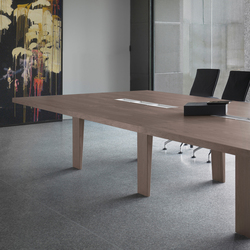 Mahia Meeting | Conference tables | Famo