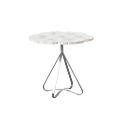 Bouquet End Table | Mesas auxiliares | Kenneth Cobonpue