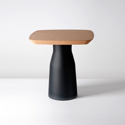 Plug Side Table | Mesas auxiliares | PCM Design