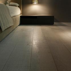 Flooring | gris plata claro corte decapado | Wood flooring | Energía Natural
