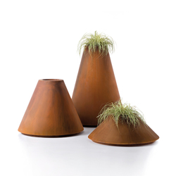Conique | Plant pots | De Castelli
