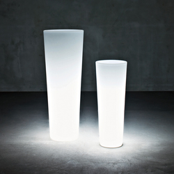 New Pot Light | Flowerpots / Planters | Serralunga