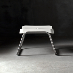 Time Out stool | Poufs / Polsterhocker | Serralunga