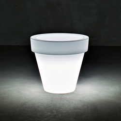 Vas-Three Light | Flowerpots / Planters | Serralunga