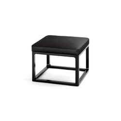 Padded table | Pouf | Wittmann