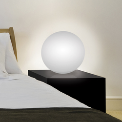 Sensitive Smoon | Table lamps in plastic | BEAU&BIEN