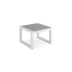 Weekend corner table | Tables d'appoint de jardin | Point