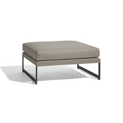 Squat medium footstool/sidetable | Pouf | Manutti