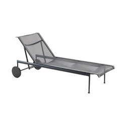 1966 Adjustable Chaise Lounge Black | Tumbonas de jardín | Knoll International