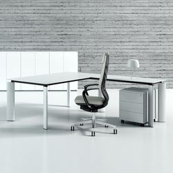 Crystal | Executive desks | MDD