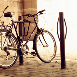 Urban bicycle-post | Bicycle stands | Vestre