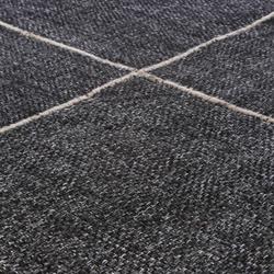 Crossline anthracite | Formatteppiche / Designerteppiche | Miinu