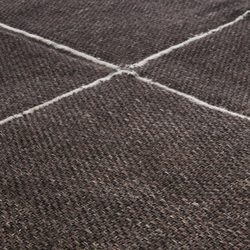 Crossline chocolate | Tapis / Tapis design | Miinu