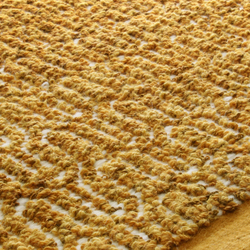 Zigzag golden rod | Tappeti / Tappeti d'autore | Miinu