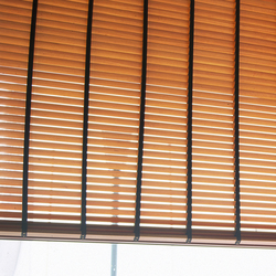 Venetian Blinds wood | Tende arricciate a cordone | Ann Idstein