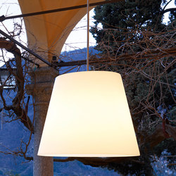 Amax Outdoor Suspension lamp | Outdoor pendant lights | FontanaArte