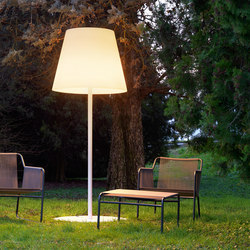 Amax Outdoor Floor lamp | Outdoor floor-mounted lights | FontanaArte