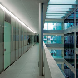 Linea 2 Modular wall system | Recessed ceiling strip lights | FontanaArte