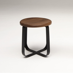 Primi Low Stool | Hocker | Phase Design