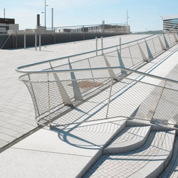 X-TEND |railing infill outside | Metal meshes | Carl Stahl ARC