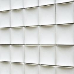 Round square model B | Ceramic tiles | Kenzan