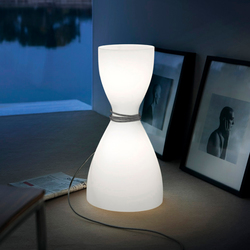 Diafano Table lamp | Iluminación general | La Référence