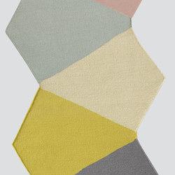 Crux - 0017 | Formatteppiche / Designerteppiche | Kinnasand
