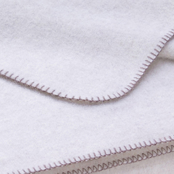 Nora Blanket perl | Couvertures | Steiner