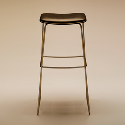 P.1 780 | Bar stools | PWH Furniture