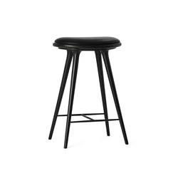 High Stool black stained hardwood 69 | Tabourets de bar | Mater