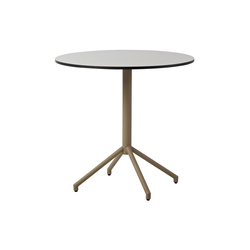 Avenue Café | Tables de bistrot | Cane-line