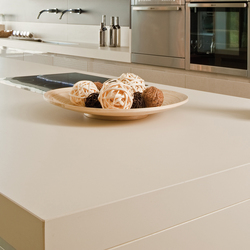 Kitchen | Colorfeel Avorio | Ceramic panels | Neolith