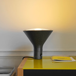 Yupik Lampe de table | Luminaires de table | FontanaArte