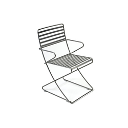 Parc Centre Chair with arms | Sillas de exterior | Landscape Forms